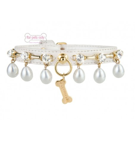 Chic in Pearls Collar